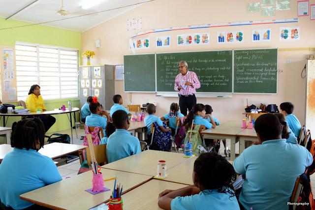 """Book Week Curacao """"Ban Lesa 2015"""" : Ronny Lobo"""