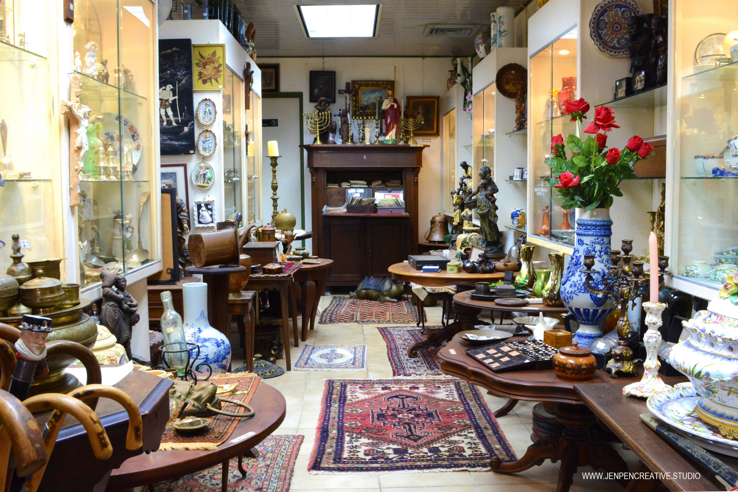 Store Tour : Louis the 15th. Antiques & Curiosities