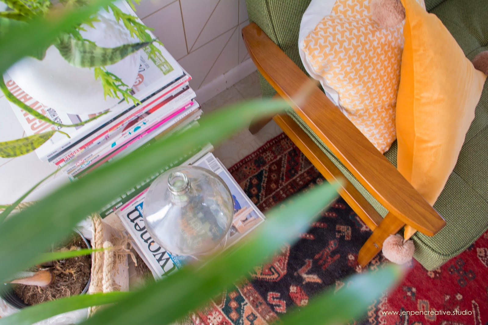 How to use collection of magazines in your interior