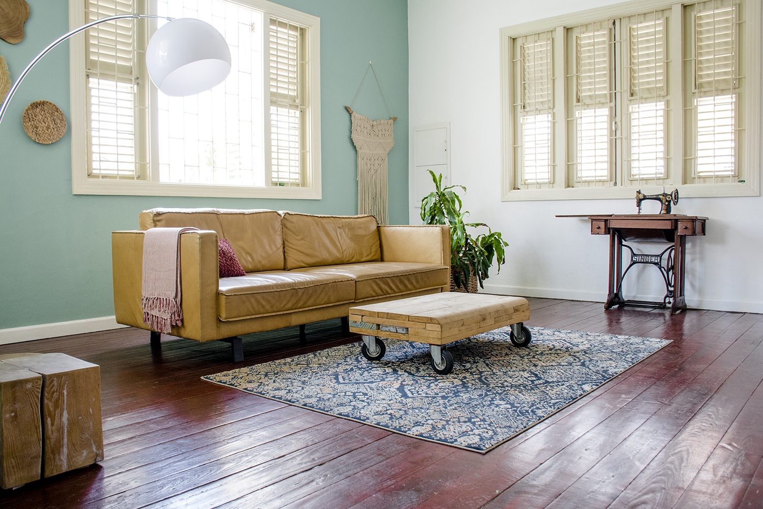 Enter a home where color is not a taboo